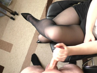 Amateur Teen Secretary Hadnjob and Cum on Her Pantyhose